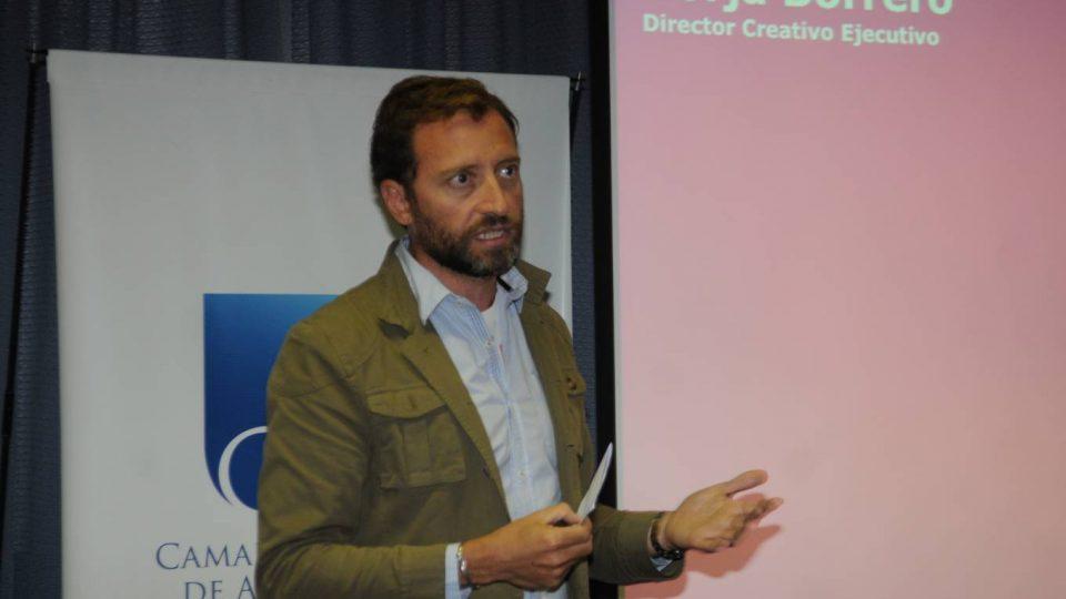 Reunión de Actualización: Innovación creativa en branding